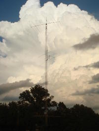 Antenna_against_clouds_090717_002